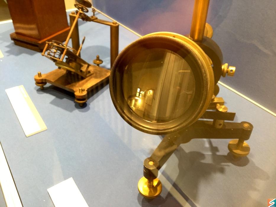 A 40 mm nyílású távcső objektve